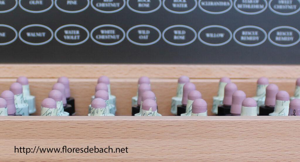 caja con flores de Bach